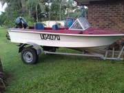 14ft fiberglass runabout with 1998 30 hp mariner