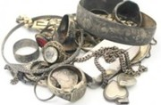 We pay cash for your broken and unwanted jewellery in Gold Coast