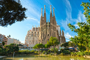 Book Cheap Flights Online to Barcelona